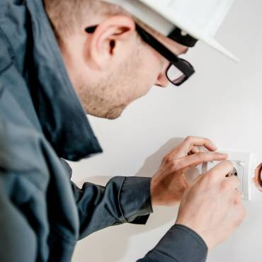 9 Questions to Ask Before Hiring an Electrician in Brighton, MI