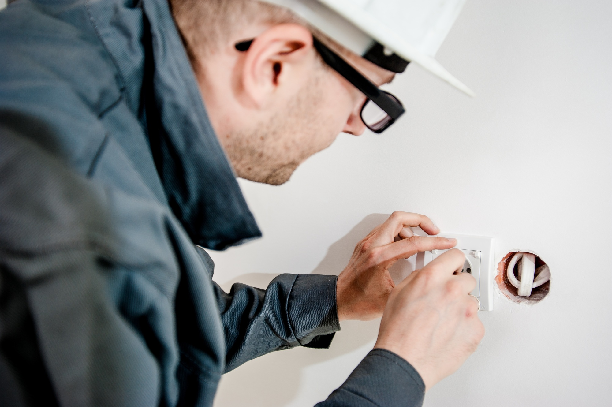 9 Questions to Ask Before Hiring an Electrician in ...