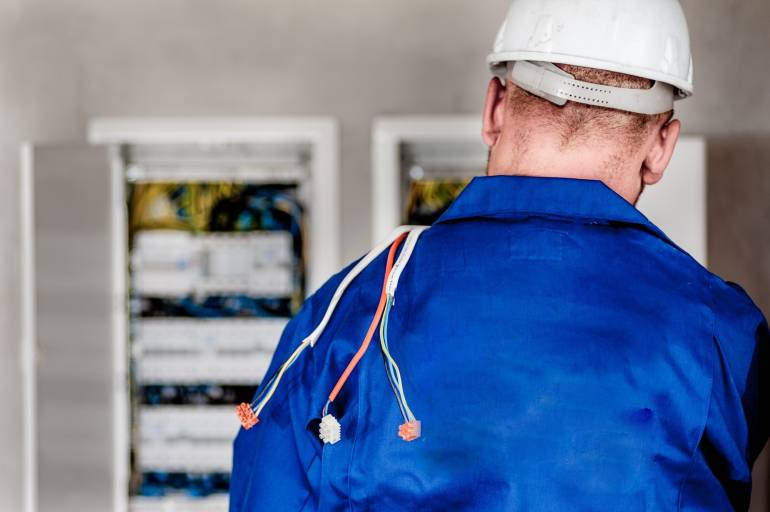 7 Mistakes to Avoid When Choosing an Electrician in Howell